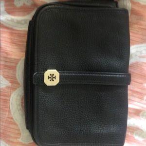 Tory Burch crossbody bag. Like new!